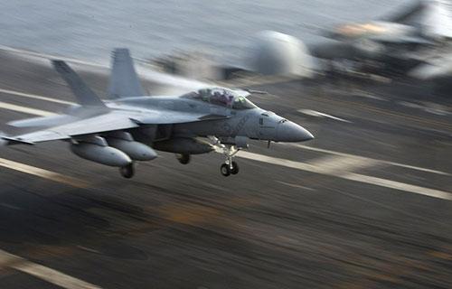 Американский истребитель F/A-18F