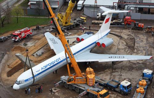 Самолет-памятник Ил-62М