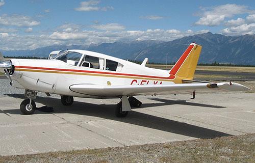 Легкий одномоторный самолет Piper PA-24