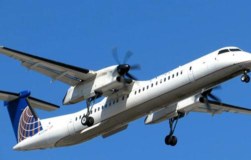 Турбовинтовой самолет Bombardier Dash 8