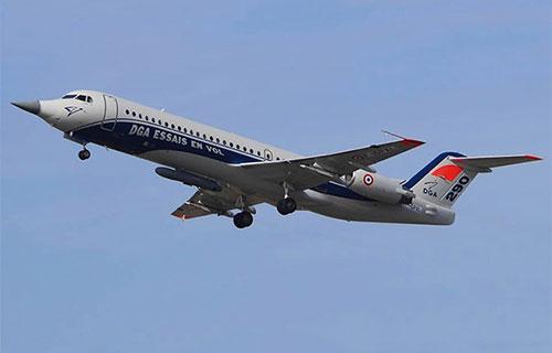 Модифицированный самолет Fokker-100