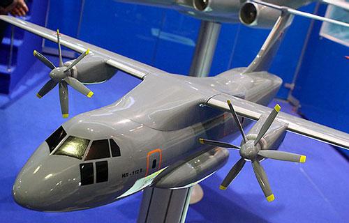 Макет военно-трансопртного самолета Ил-112В