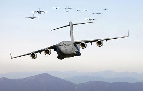 Военно-транспортный самолет C-17A Globemaster