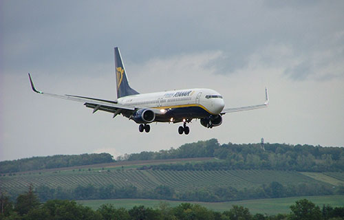 Пассажирский Boeing-738