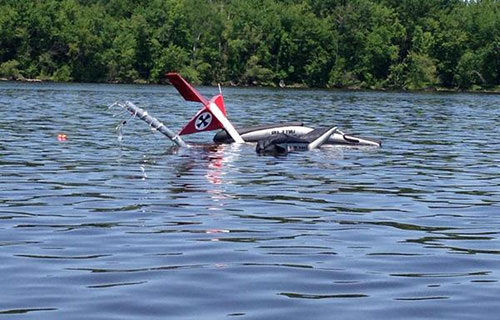 Затонувший в реке Оттава гидросамолет