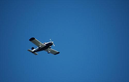 Легкомоторный самолет