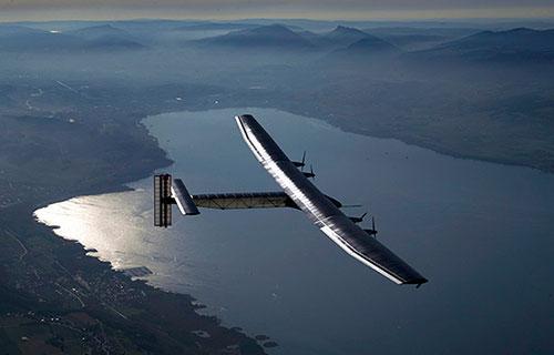 Экспериментальный самолет Solar Impulse 2