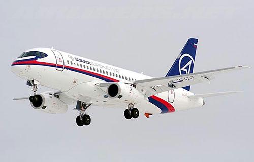 Российский пассажирский самолет SuperJet-100