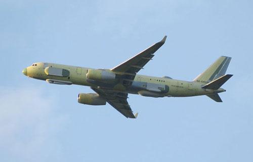 Самолет комплексной разведки Ту-214Р