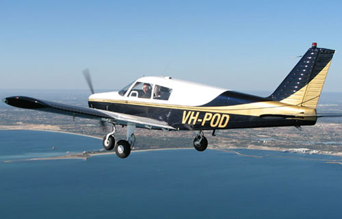 Легкомоторный самолет Piper P-28 Cherokee