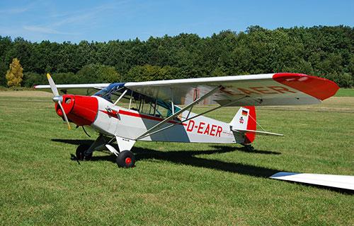 Одномоторный самолет Piper-PA18