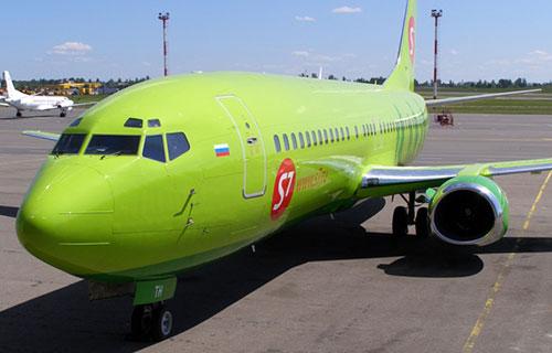 Самолет авиакомпании S7 Airlines