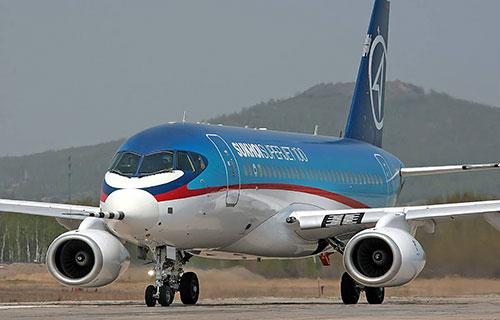 Российский пассажирский лайнер Sukhoi Superjet 100