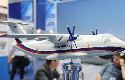 Модель транспортного самолета Ил-112В