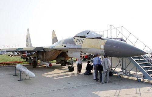 Истребитель Су-35 ВВС России