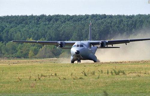 Военно-транспортный Airbus CN235