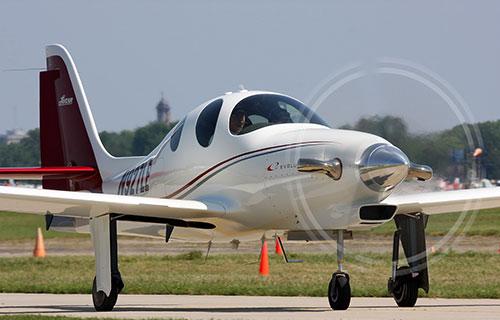Одномоторный самолет Lancair Evolution