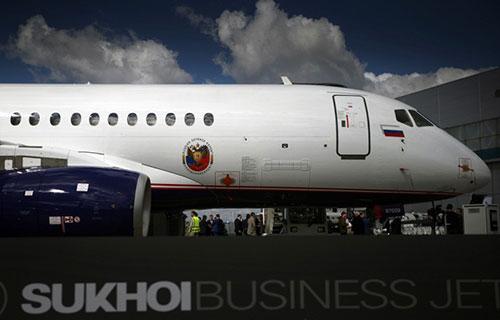 Новый российский пассажирский самолет SSJ-100