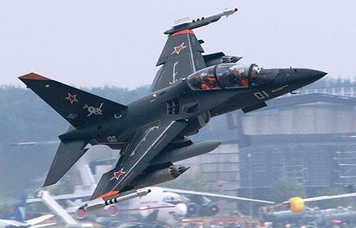 Учебный военный самолет Як-130