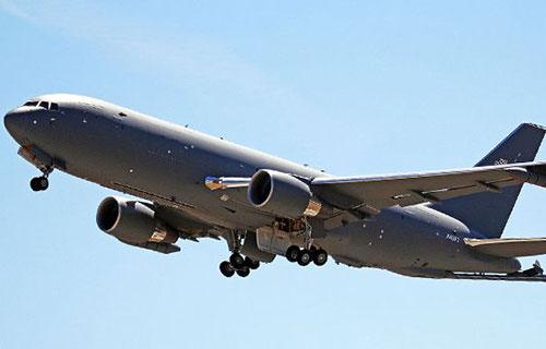 Американский самолет-заправщик KC-46