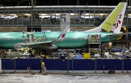 Узкофюзеляжный реактивный самолет Boeing-737