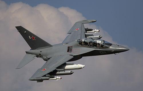 Военно-учебный самолет Як-130