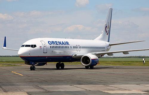 """Самолет Boeing-737 """"Оренбургских Авиалиний"""""""