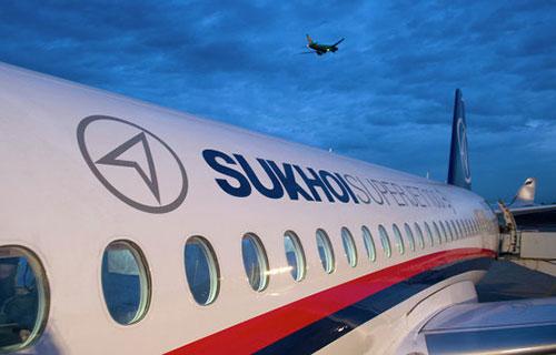 Пассажирский самолет SuperJet-100